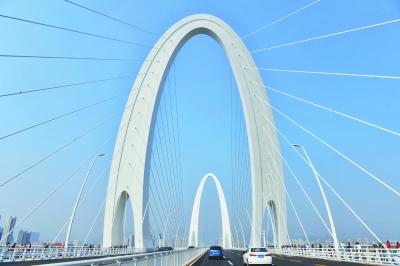 """""""网红""""大桥终于揭面纱 新首钢大桥建成通车"""