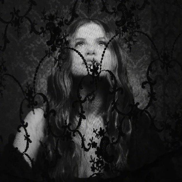 新专辑!赛琳娜宣布即将回归音乐圈 黑白风预告照神秘十足