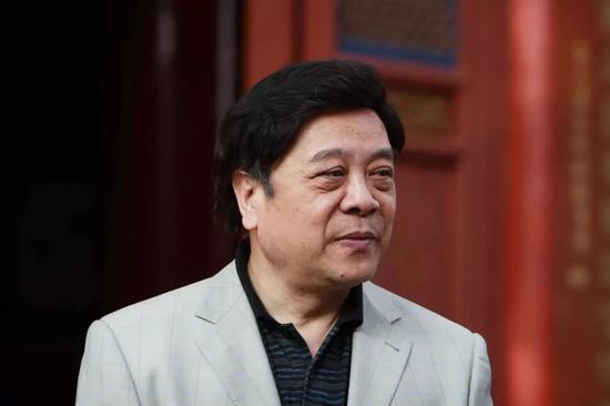 央视主持人赵忠祥晚年捞金方式曝光