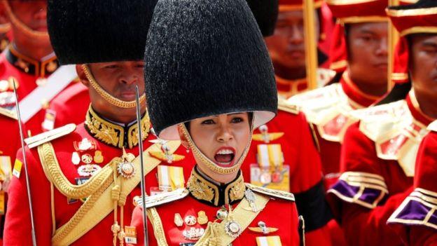 诗妮娜早前参加泰国先国王普密蓬葬礼时的照片
