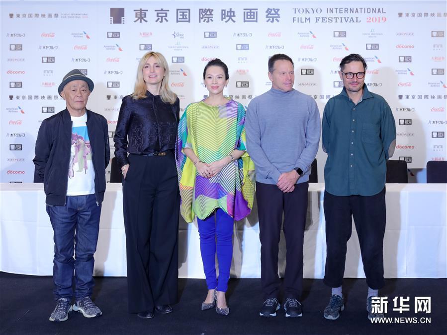 第32届东京国际电影节评审团召开记者会 章子怡担任主席