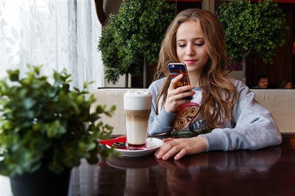 全国坐月子宅在家撩客服:网店客服聊天量增长500%