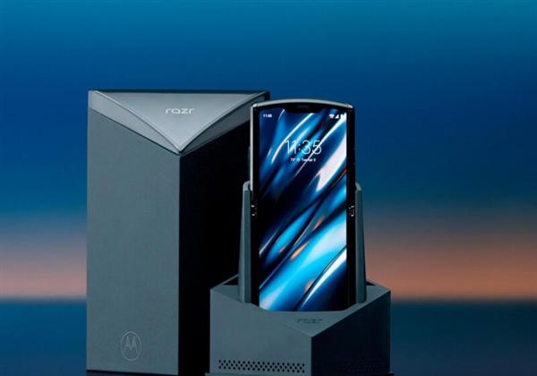 摩托罗拉折叠屏Razr被评迄今结构最复杂手机:iFixit都服了
