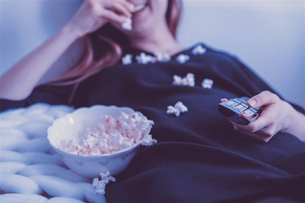 报告:越来越人远离传统付费有线电视服务