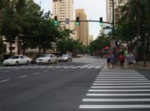 厦门斑马线机动车礼让率超过90% 行人遵守交通信号灯率93.90%